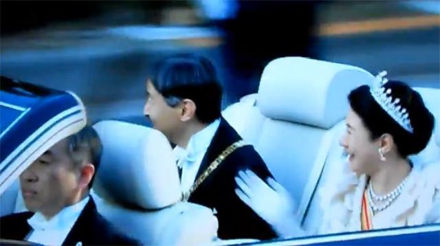 祝賀御列の儀オープンカー助手席は誰で名前は?メーカーや値段はいくら?