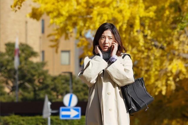 知らなくていいこと吉高由里子の衣装のバックやコート(洋服)のブランドや値段は?
